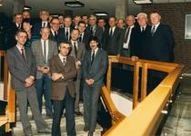 2227 - Foto is vrijwel identiek aan inv.nr. 2228; gemeenteraad van Nunspeet 1986, D.Baas, H.J.Prins, A.Meijer, B. van ...