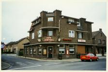 512_070 Café Central gelegen aan de Dorpstraat 50 te Buchten.Bouwstijl Amsterdamse school. Typisch Limburgs café met de ...