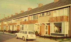 DIA41636 Spijkenisse; ; Woningen langs de Lisstraat, September 1963
