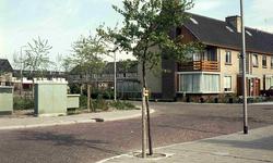 DIA42470 ; Woningen, ca. 1972