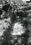 AB_KOMWEISINGEL_001 Opgraving van de fundamenten van de vroegere woontoren van Abbenbroek; 16 februari 1968