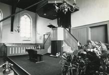OH_RING_28 Oudenhoorn; De preekstoel in de kerk van Oudenhoorn, 11 juli 1969