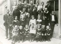 SP_SCHOLEN_CLS_001 Spijkenisse; Een schoolfoto uit het tweede decennium van deze eeuw van de christelijke lagere ...