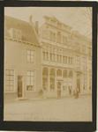A-731 Gezicht op de gevel van het huis In den Steenrotse aan de Dwarskaai te Middelburg en aangrenzende panden