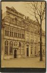 B-1605 Voorgevel van het huis In den Steenrotse aan de Dwarskaai te Middelburg met een sigarenwinkel
