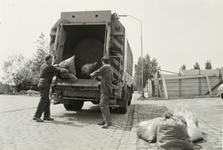 B-1625 Het ophalen van vuilnis aan de Oude Veerseweg te Middelburg