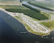 B-1917II Gezicht op het recreatiegebied Oranjeplaat aan het Veerse meer