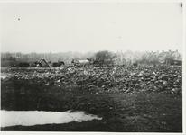 B-955IX Vuilniskarren op de stortplaats op een weiland in de omgeving van Middelburg.Origineel diapositief archief ...