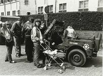 B-996XI Een oud legervoertuig van Keep them Rolling op het Abdijplein te Middelburg op bevrijdingsdag
