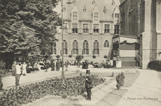 P-139 Gezicht op het terras met restaurant tijdens de tentoonstelling Plan 1913 Middelburg van Zeeuwsche ...