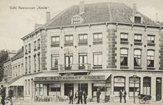 P-230 Café-restaurant Koole op de hoek van de Blauwedijk en de Stationsstraat te Middelburg.