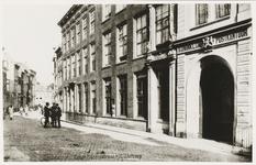 P-519 Gezicht op de Lange Noordstraat te Middelburg met het postkantoor.