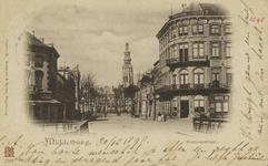 P-966 Gezicht op de Stationsstraat te Middelburg, met rechts hotel Du Commerce. Op de achtergrond de abdijtoren.