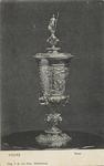 2001 De door keizer Maximiliaan van Oostenrijk aan de stad Veere geschonken vergulde beker die bewaard wordt in het ...