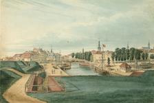 1198 Gezicht op de Bierhaven en de Beurs te Vlissingen, vanaf het bolwerk, met onder andere een raderboot