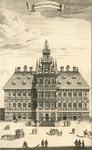 1237 De voorgevel van het stadhuis te Vlissingen, met voorbijgangers