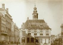 1249 Gezicht op de Beurs te Vlissingen na de verbouwing, met omliggende panden aan de Beursstraat