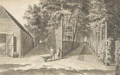 1300c Gezicht op een deel van het bos en de schuur van het huis Elsenoord te Vrouwenpolder, met tuinlieden