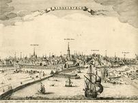 198 Gezicht op de stad Middelburg van de zijde van de haven, met personen en bedrijvigheid op de kade,