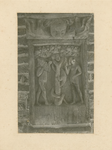 2221b Een in hout gesneden sleutelstuk in de bovenzaal van het stadhuis te Sluis, Adam en Eva met de slang