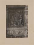 2221h Een in hout gesneden sleutelstuk in de bovenzaal van het stadhuis te Sluis, een bijbels tafereel