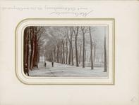 2433-19 Het Molenwater te Middelburg met op de achtergrond de Schouwburg
