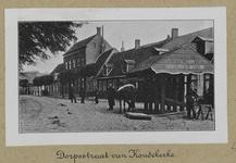 3-40 Dorpsstraat te Koudekerke met de travalje van hoefsmid A. de Looff met personeel
