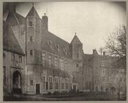 489-8 Gezicht op de voormalige Rijksarchiefgebouwen aan het Abdijplein te Middelburg, vóór restauratie