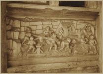 722i Details (beeldhouwwerk) met steenhouwers van de gevel van het huis In den Steenrotse te Middelburg aan de ...