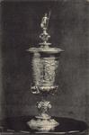 10032 De zilveren beker (verguld), door Maximilliaan van Bourgondië aan Veere geschonken op 2 februari 1551, ...