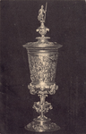 10033 De zilveren beker (verguld), door Maximilliaan van Bourgondië aan Veere geschonken op 2 februari 1551, ...