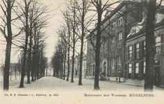 1743 Gezicht op het Molenwater te Middelburg met het weeshuis