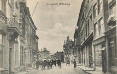 1858 Gezicht op het begin van de Lange Delft en de Grote Markt te Middelburg