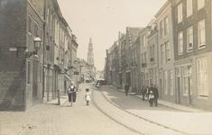 1996 Gezicht in de Langeviele te Middelburg, links de hoek met de Molenberg, op de achtergrond de Abdijtoren