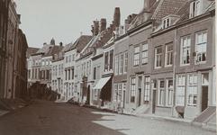 2027 Gezicht in de Nieuwstraat te Middelburg