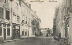 2055 Gezicht in de Lange Noordstraat te Middelburg in de richting van de Markt