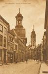 2058 Gezicht in de Lange Noordstraat te Middelburg met links de R.K. kerk en op de achtergrond de stadhuistoren
