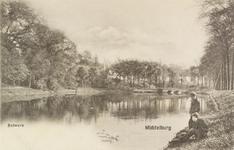2288 Gezicht op de Langevielevest te Middelburg met twee jongens aan de waterkant