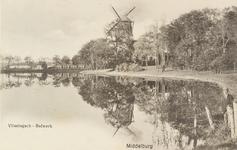 2358 Gezicht op het Vlissingsbolwerk en een deel van de Vlissingsesingel te Middelburg met de molen De Hoop