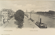 2416 Gezicht op de Loskade te Middelburg met afgemeerde schepen in het Kanaal door Walcheren