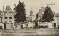 2536 Gezicht op de hoek Dam Noordzijde /Rotterdamsekaai te Middelburg en door de Schuitvlotstraat op de Oostkerk