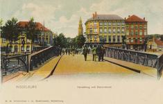 2610 Gezicht over de stationsbrug te Middelburg op de Blauwedijk (links) en de Loskade