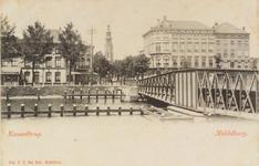 2622 Gezicht over het Kanaal door Walcheren op de Blauwedijk (links) en de Loskade te Middelburg