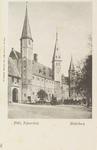 2944 Gezicht op het Abdijplein te Middelburg met de S.P.Q.M.-poort en het Rijksarchief