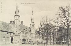 3022 Gezicht op het Abdijplein te Middelburg met het gastenverblijf en de S.P.Q.M. poort, het Rijksarchief en de Balanspoort