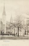 3030 Gezicht op het Abdijplein te Middelburg met het Rijksarchief en de Balanspoort