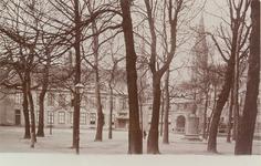 3169 Gezicht op het Abdijplein te Middelburg met de ambtswoning van de commissaris der koningin, het gastenverblijf, de ...