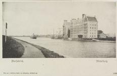 3498 Gezicht op de meelfabriek van de firma wed. J.H.C. Kakebeeke Gz. aan het Kanaal door Walcheren bij Middelburg met ...
