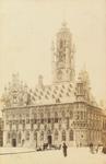 3721 Het stadhuis aan de Grote Markt te Middelburg
