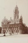 3758 Het stadhuis aan de Grote Markt te Middelburg
